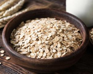 Rolled oats. Photo: Getty Images