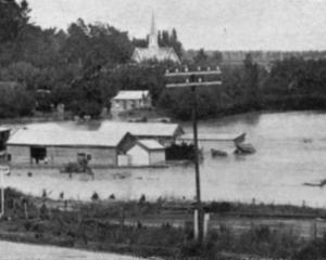 Stirling township under water during the recent Molyneux flood. - Otago Witness, 12.2.1919.