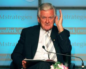 Former Australian Prime Minister Bob Hawke speaks at the Asia Leadership Forum in Bangkok in 2005...