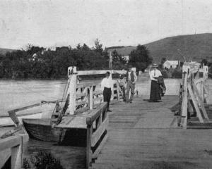 The Clydevale punt. - Otago Witness, 28.5.1919