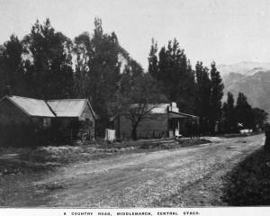 A country road — Middlemarch, Strath Taieri. — Otago Witness, 14.5.1919.