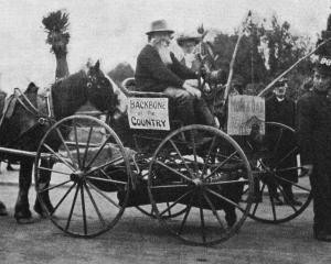 """""""Uncle Sam's'' float in the Dunedin peace procession on July 19. - Otago Witness, 23.7.1919."""