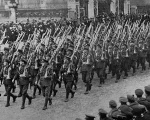 New Zealand troops marching in London during the official peace celebrations. - Otago Witness, 2...
