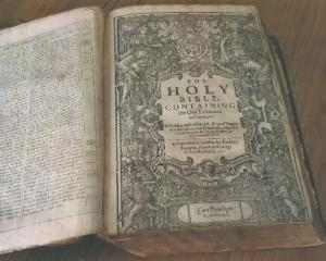 The  rare 400-year-old King James Bible. Photo by Manuwatu Guardian.