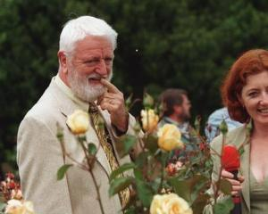 Sam McGredy and Maggie Barry at the Auckland Botanical Gardens at Manurewa in 1999. Photo: NZ Herald