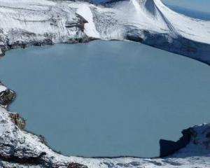 The temperature of Mt Ruapehu's Crater Lake has risen to 27C now from around 14C in mid-July....