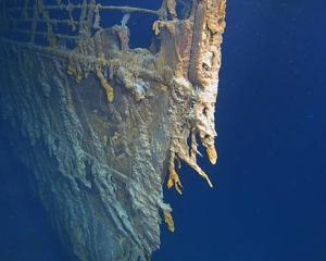 A Kiwi has led another successful expedition to the RMS Titanic in a submersible, giving people...