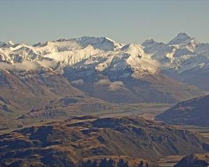 Image of Mt Aspiring and Rocky Mountain, taken from the Lake Wanaka Tourism webcam on Roys Peak....