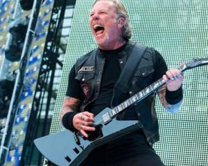 Metallica frontman James Hetfield has re-entered a treatment programme to work on his addiction...