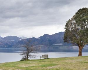 Lake Hawea before the rain