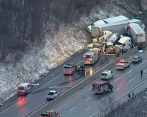 Chain-reaction crash on Pennsylvania Turnpike kills 5, injures 60. Photo: Twitter/ @WSJ