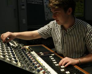 MAINZ Audio Engineering  and Production alumnus Claud Vause
