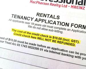 A form asking prospective tenants to pay $10 to Professionals in Invercargill, for a credit check...