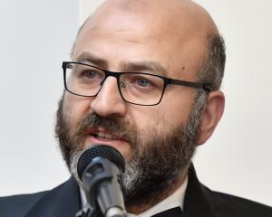 Dr Ahmad Taha