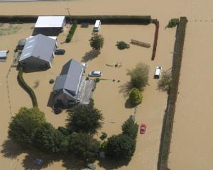 Flooding around a property in Southland last week. Photo: RNZ/Katie Todd