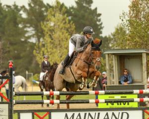 Sophia Townsend and her horse Kingslea Kiwi. Photo: Jane Thompson.
