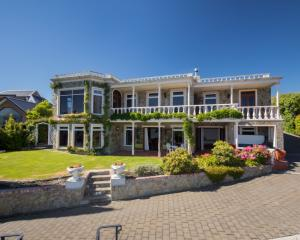 Changing tack   ... Wanaka Unlocked luxury villa management agency has 