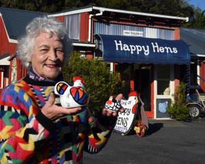 After 30 years, Happy Hens owner Yvonne Sutherland has farewelled her Portobello shop, having...