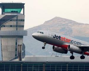 Jetstar is returning to Kiwi skies today. Photo: NZ Herald / File