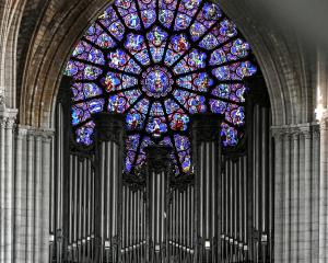 The organ during preliminary work in the Notre-Dame Cathedral, three months after the major fire...