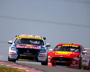 Shane van Gisbergen and Scott McLaughlin in action in South Australia. Photo: Getty Images