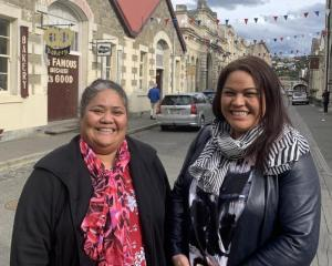 Silou Temoana and Hana Halalele in Oamaru's historic Victorian precinct. Photo: RNZ Pacific