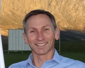 Simon Battrick