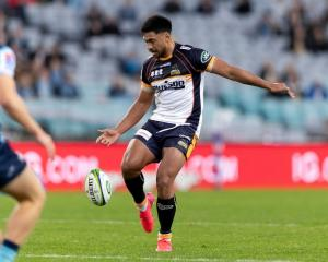 Brumby Irae Simone gets a start.  Photo: Getty Images