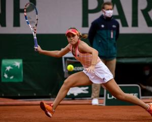 Sofia Kenin plays a forehand at the French Open during her quarterfinal win. Photo: Getty Images