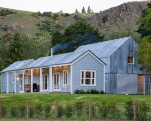 Lake Hayes Cottage, by Anna-Marie Chin Architects, won an award at the 2020 New Zealand...