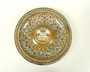 Italian maiolica lustred salver, circa 1520. PHOTO: OTAGO MUSEUM