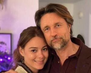 Martin Henderson and his girlfriend Aisha Mendez are currently quarantining in an Auckland hotel....