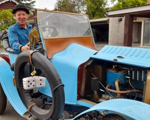 Peter Lynn in his 1908 De Dion Bouton vintage car which will be sold at the Methven Vin tage Club...