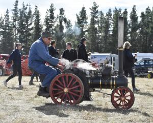 Clive Lintern, from Taranaki, takes a borrowed scale model traction engine for a burn at Wheels...