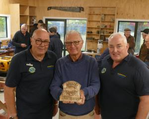 Queenstown Lions vice-president Michael White (left) with Arrowtown Menzshed secretary Martin...