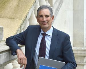 Financial Services Council chief executive Richard Kiplin hosts a seminar in Dunedin yesterday....