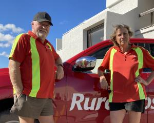 South Otago rural posties Richard and Jane Whitmore.PHOTO: MARY-JO TOHILL