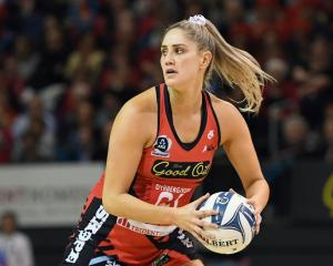 Te Paea Selby-Rickit hit the winning shot for the Tactix. Photo: Getty Images