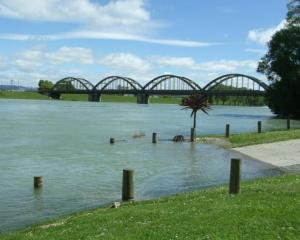 The Clutha River at Balclutha.