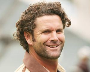 Chris Cairns off life support, 'able to communicate with family'. Photo: NZ Herald