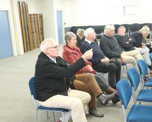 Some in the audience challenged MP Stuart Smith's remarks. Photo: LDR / Adam Burns