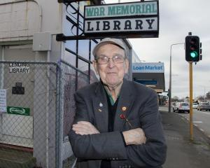 Arthur Woods does not want the war memorial library building to be demolished. Photo: Geoff Sloan