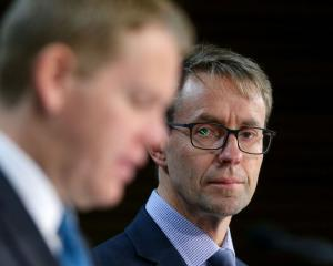 Covid-19 Response Minister Chris Hipkins (L) and Director-general of Health Ashley Bloomfield....