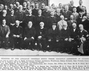 Members of the Anglican diocesan synod which recently assembled in Dunedin. — Otago Witness, 8.11...