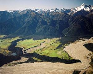 The Waiho Loop near Franz Josef Glacier. Photo: Te ara.govt.nz