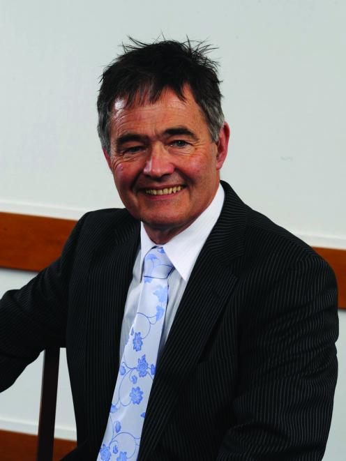 Dave Cull, Chair