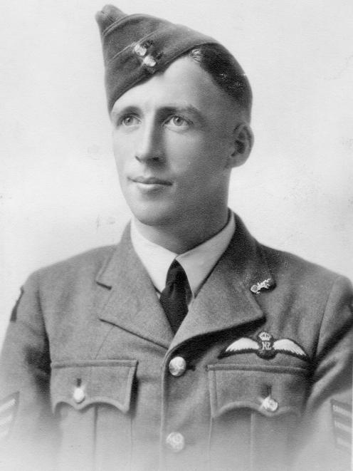 飞行中士Harry Bennett