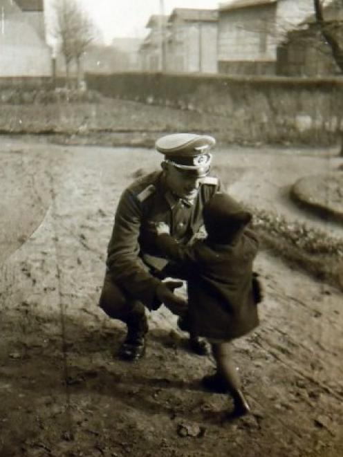 In 1941, Heinke, a toddler, runs to her father, a lieutenant in the German army, when he arrives...
