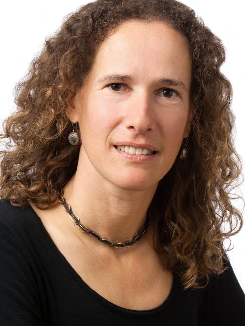 Dr Liana Machado