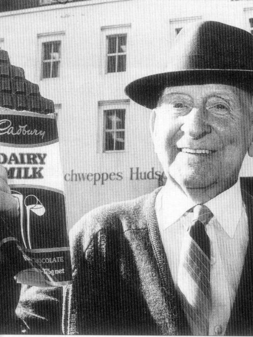 In 1990, Fred Wheeler (81) retired, 68 years after beginning work at Hudsons as a 14-year-old, in 1922. PHOTO: SUPPLIED
